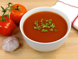 Cremige Low Carb Tomatensuppe